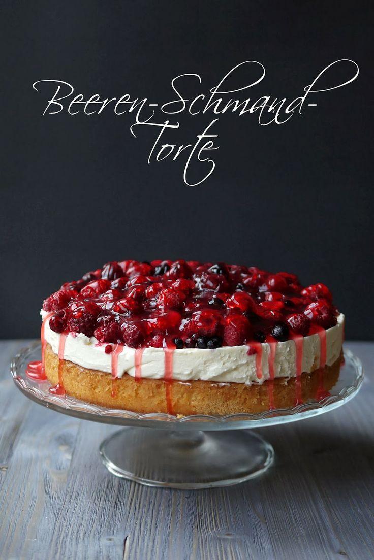 Experimente aus meiner Küche: Beerentorte mit Schmand