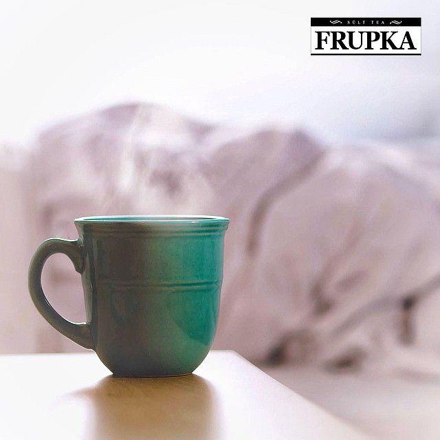 Van közöttetek olyan, aki nyáron is meleg teát iszik? Van, aki erre esküszik!  Természetesen a Frupka sült tea nemcsak melegen, hanem hidegen, jeges koktélként is kitűnő!  #frupka #sülttea #sulttea #koktél #jegestea #icetea #limonádé