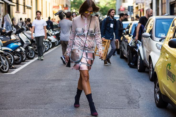 SS16 streetstyle details  pattern dress baby pink ankle boot lob mini bag