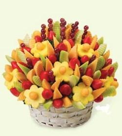 Best Bouquet Ever - edibleIdeas, Fruit Bouquets, Edible Arrangements, Recipe, Edible Centerpieces, Delicious Parties, Fruit Baskets, Fruit Arrangements, Parties Food