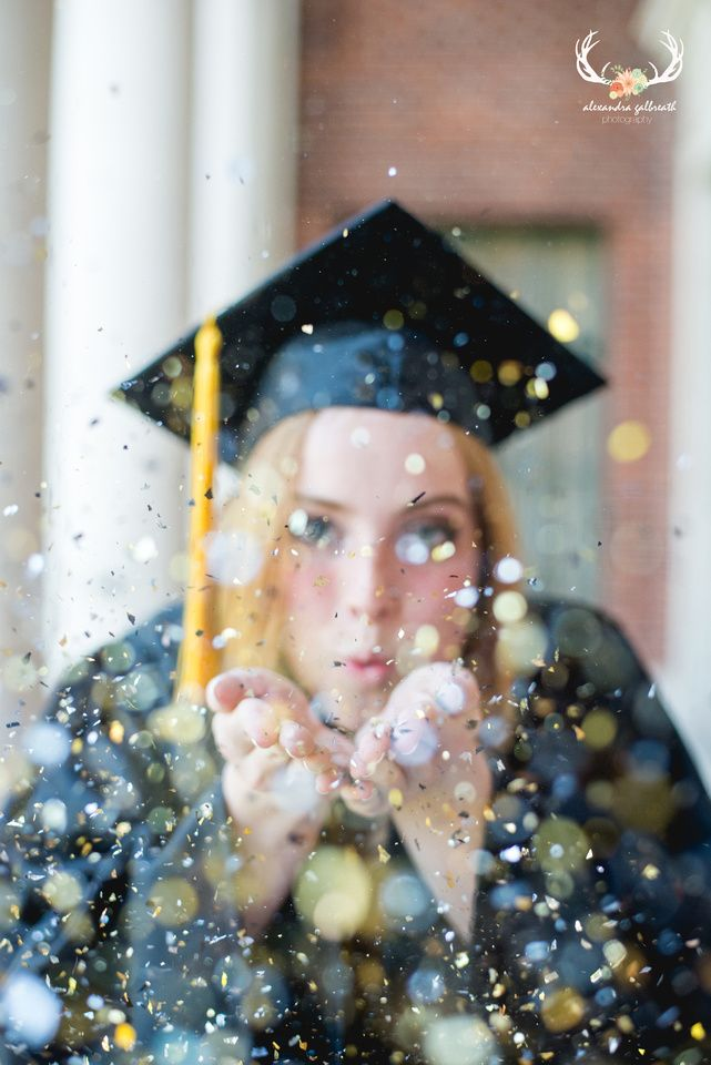 senior pictures, cap and gown photos, graduation photos, confetti, oregon photography, alexandra galbreath photography