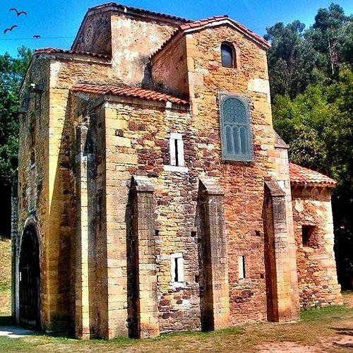 Iglesia de San Miguel en Oviedo (Pre-románico)