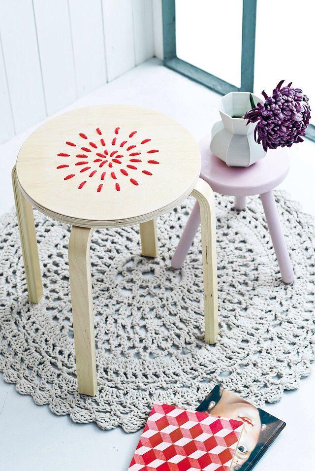 Cadeau Creatief met hout (Ikea kruk borduren)