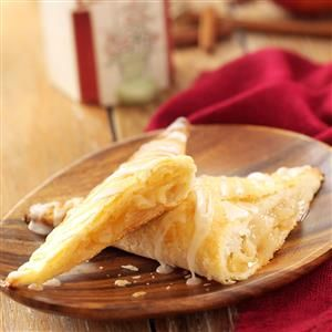 Taste of Home Apple Turnovers Recipes - Try these tasty recipes for apple turnovers, including cinnamon turnovers, custard turnovers, pastry turnovers, mini turnovers and more.
