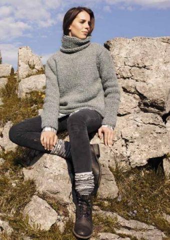 Hel enkel rullekrave sweater strikket på tykke pinde