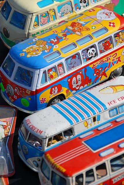 VW Volkswagen Bus by KDFKID, via Flickr