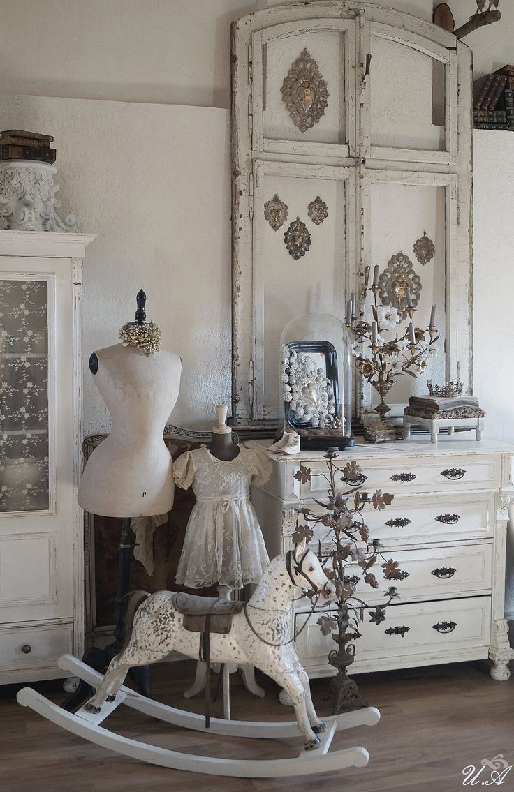 1029 best shabby white images on pinterest white cottage. Black Bedroom Furniture Sets. Home Design Ideas