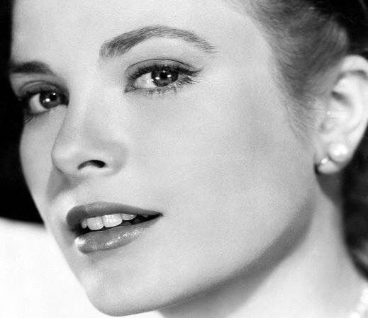 The gorgeous Grace Kelly...love her make up here ❤️