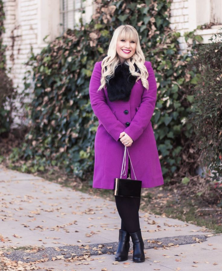 This chic purple coat is the perfect pop of color during the winter! Check out 12 more colorful coats you need in your wardrobe!