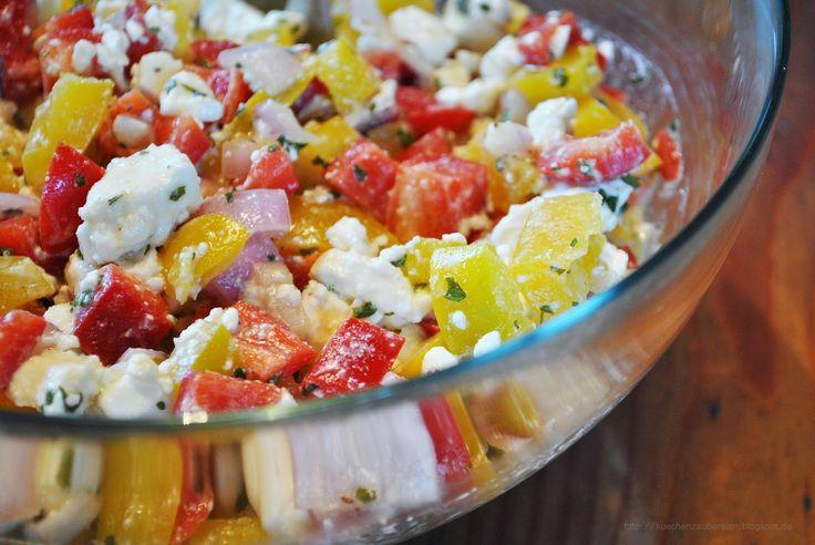 Paprika-Salat mit einer Extraportion Schafskäse Senf-Dressing