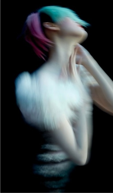 Fashion shoots / Editorial.  Ming Xi by Nick Knight for V Magazine 71, Summer 2011 - Ananas à Miami.