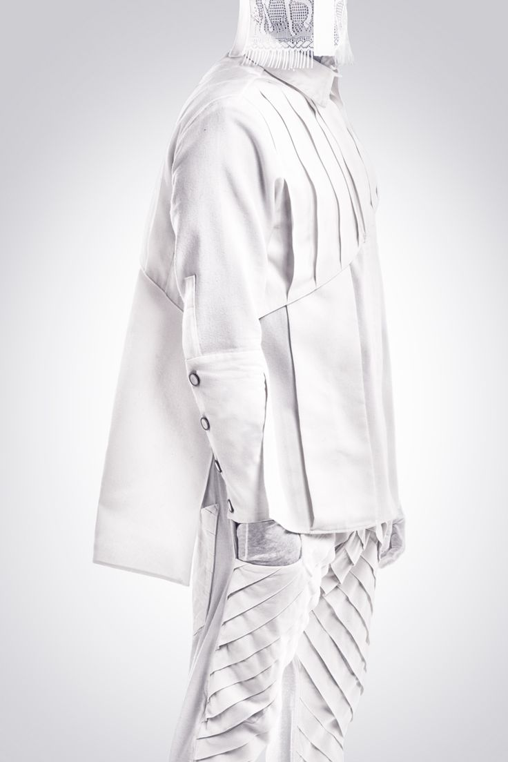 Realización de fotografías para la marca de diseño de ropa Hautchezpere.   Chaqueta y pantalón hombre. Fotografía: Kinoki studio