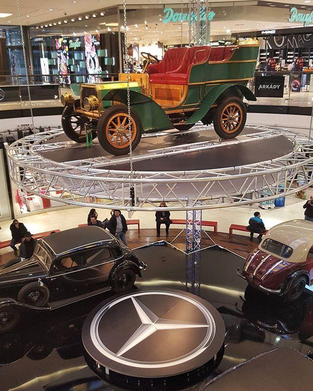 Benz Parsifal 8/10 (1902) in the Arkády Pankrác Prague  #prague #travel #afternoon #Arkady #pankrac #car #show #exhibition #oldcar #interior #mercedesbenz #benz #galaxys6