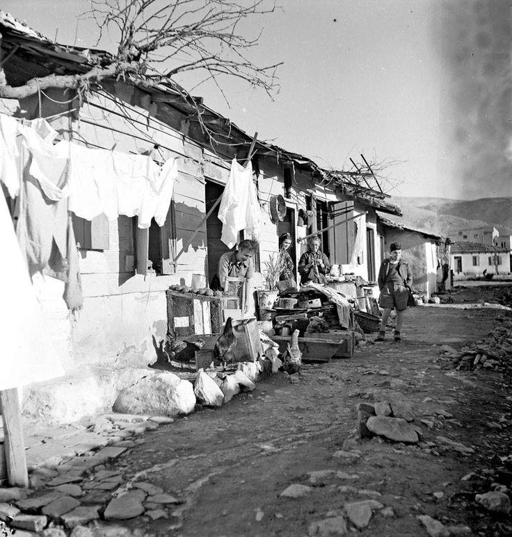 Καισαριανή 1945-46 φωτ.Β.Παπαιωάννου
