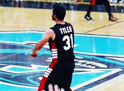 Community Post: Tyler Hoechlin Is The Hottie Dork You've Been Waiting For
