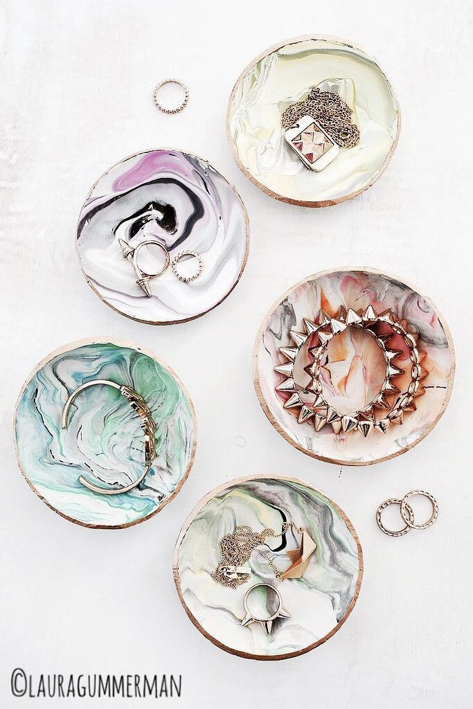 These creative diy are perfect for holding jewelry, keys, or coins and look absolutely incredible.