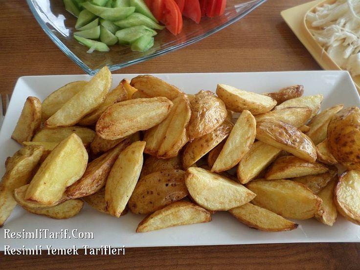 Çocukların çok sevdiği elma dilimi patatesi evde çok kolay yapabiliriz. Afiyet olsun.