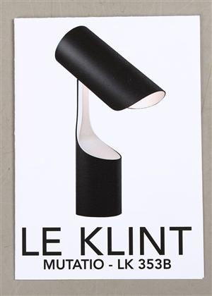 Christian Troels for Le Klint, Mutatio, bordlampe af sort- og hvidlakeret metal. H. 33 cm.
