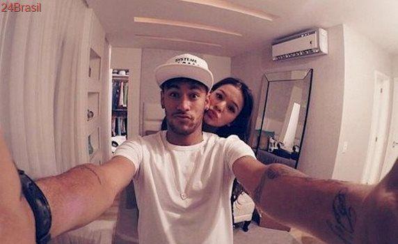 Neymar dá carro avaliado em 150 mil reais para cupido que o reaproximou de Bruna Marquezine
