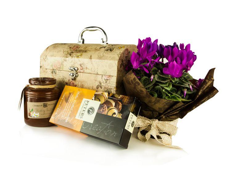 Samdam iti da 5 idei de cosuri cadou pentru doamne si domnisoare, in functie de personalitatea fiecareia. #8martie #Ziuafemeii