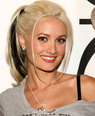 front blonde hair streaks   Holly Madison Breaking News, Photos and Videos   POPSUGAR Celebrity