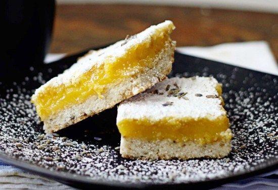 Ароматный пирог с лимоном и пряностями, посыпанный сахарной пудрой – очень простой рецепт вкусного лакомства читайте на сайте Лучшие рецепты для духовки