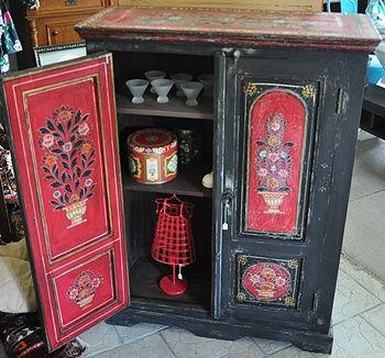 Möbler på Karossgården A traditional painted cupboard for sale in one of stockists shop in Sweden, called Karossgarden in Simrishamn.