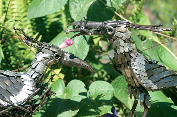 Lapwing metal bird sculpture