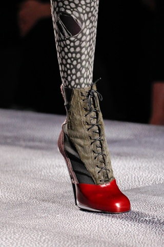 FendiLatest Runway, Runway Reviews, Fashion Show, Fendi Fall