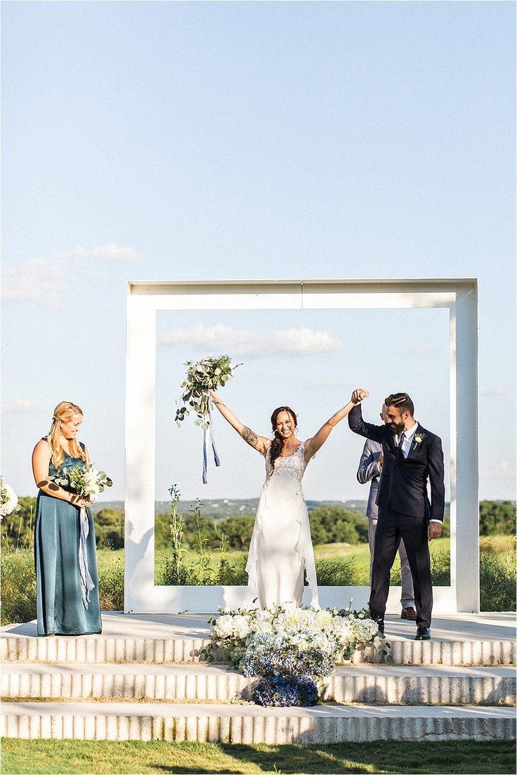 wedding ceremonies - photo by Flora and Fauna http://ruffledblog.com/modern-bohemian-wedding-with-an-air-plant-bouquet