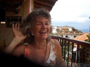 Marie-Noëlle Anderson est née en Afrique du Sud et a la double nationalité, Suisse et Sud-Africaine. Elle suit une formation sur quatre ans en guérison holistique énergétique issue de la tradition celtique, est élève de Lynn Andrews, ainsi que d'autres femmes-médecine amérindiennes du Sud-Ouest des Etats-Unis.