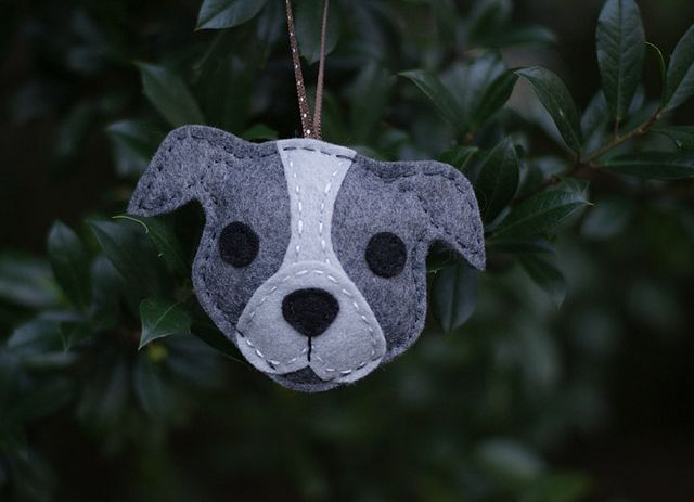 felted pitbull head, if I get good at using the vintage sewing machine, could put this on top of fleece mittens and fleece texting mitts for rescue