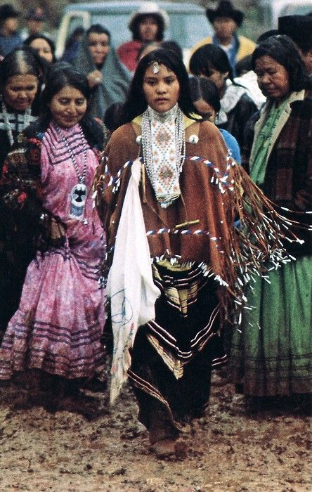 Apache : Apache Tribe Arizona, USA- Nita Quintero at her Sunrise Dance (Na'ii'ees), White Mountain Apache Tribe, Arizona. Photo: Bill Hess, National Geographic, February 1980. Nita is now one of the members of Apache 8.