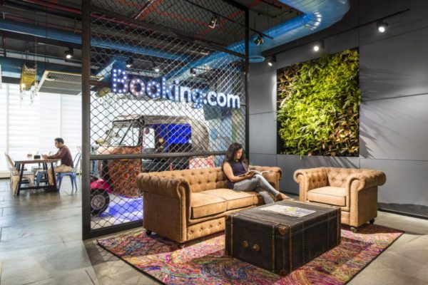 Employee Engagment Spaces Booking Com Workplace Design Modern