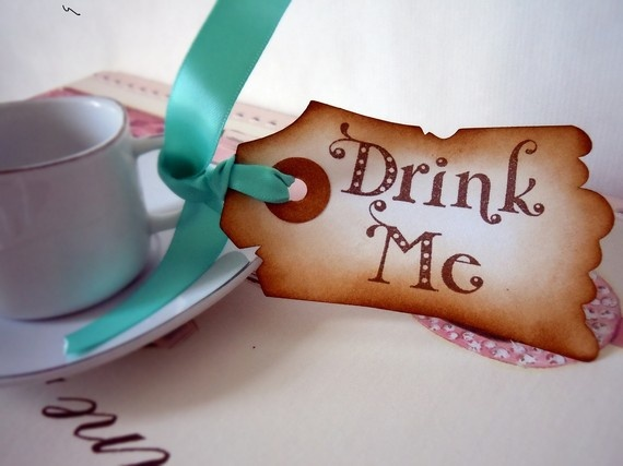 Alice in Wonderland party tags.