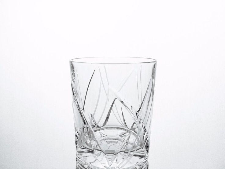 Service symphonie: 6 verres à whisky.