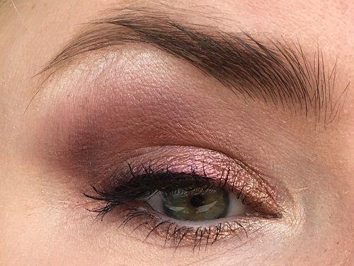 MAC Burgundy Times Nine Eyeshadow palette look 1