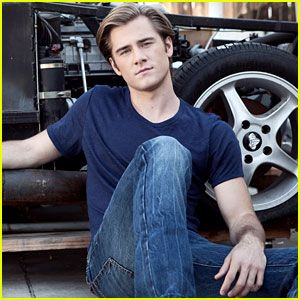 Just Jared Jr. Interview w/ Luke Benward. Check it out!
