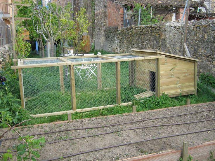 Gallinero m vil para bancales como el de mariano bueno for Gallinero jardin
