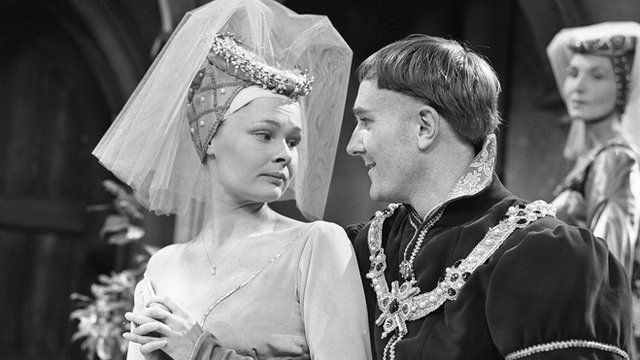 Judi #Dench (Princess Katherine) and Robert Hardy (Henry V) in #Shakespeare's Henry V, 1960. BBC