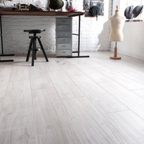 17 best images about sol on pinterest ps tile and merlin for Carrelage imitation bois blanc