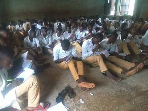 Secondary School Students Sit on Bare Floor to Write Exam (Photos) http://ift.tt/2w9C2dn