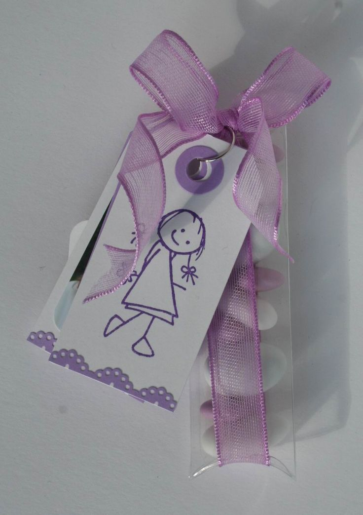 Ciao carissime,   ecco i sacchettini che ho preparato per la Prima Comunione della mia bambina.   Ho usatouna busta trasparente in cui ho ...