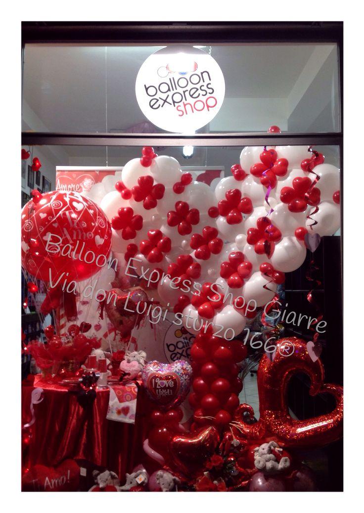 """""""Ti Amo"""" ditelo con un palloncino, mille idee vi aspettano presso il nostro Balloon Express Shop di Giarre via don luigi sturzo 166/168. Consegnamo a domicilio ai vostri innamorati anche il giorno di San Valentino. Scegliete i migliori, diffidate dalle imitazioni. #Balloon #love #amore #balloonexpress #valentyneDay #palloncini #palloni #balloonItalianStyle #balloonexpressshopgiarrect"""