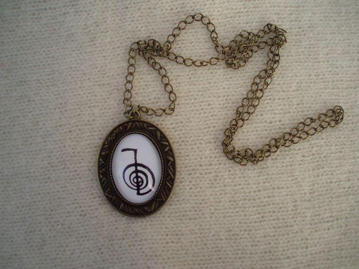 Colar com medalhão com o símbolo sagrado Choku-Rei
