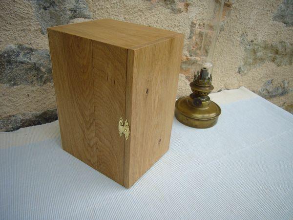 Réalisation artisanale , #Coffret en bois pour présenter ou offrir une #objet d'#art , fait sur mesure http://www.lescoffretsdumorvan.com/coffret-objet-art-sur-mesure,fr,4,COASM.cfm