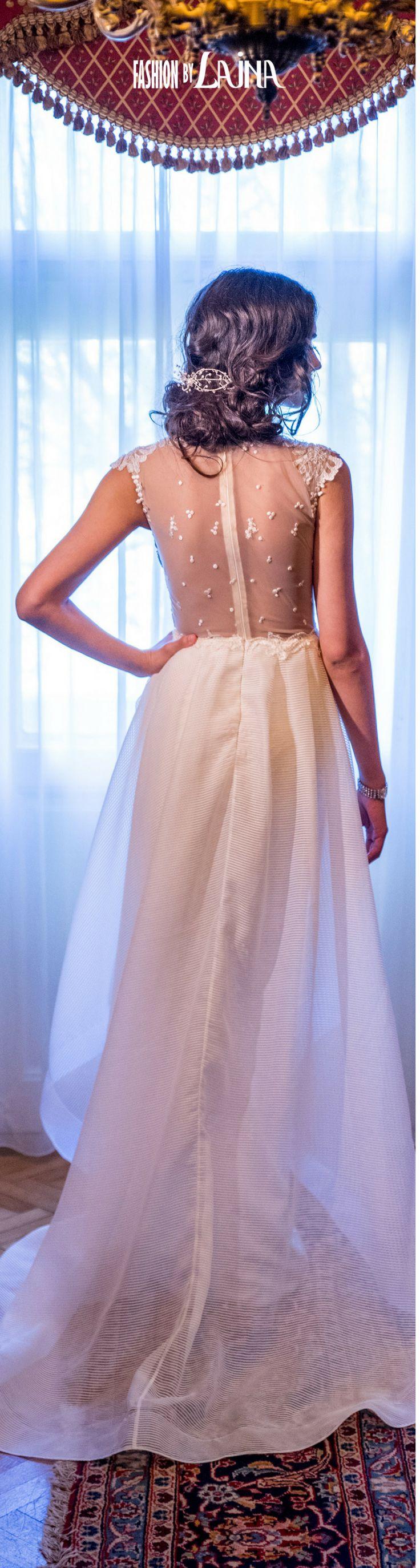 2018 Wedding Dress Fashion by Laina Bridal. See more at https://www.fashionbylaina.eu/reve-de-fleur/