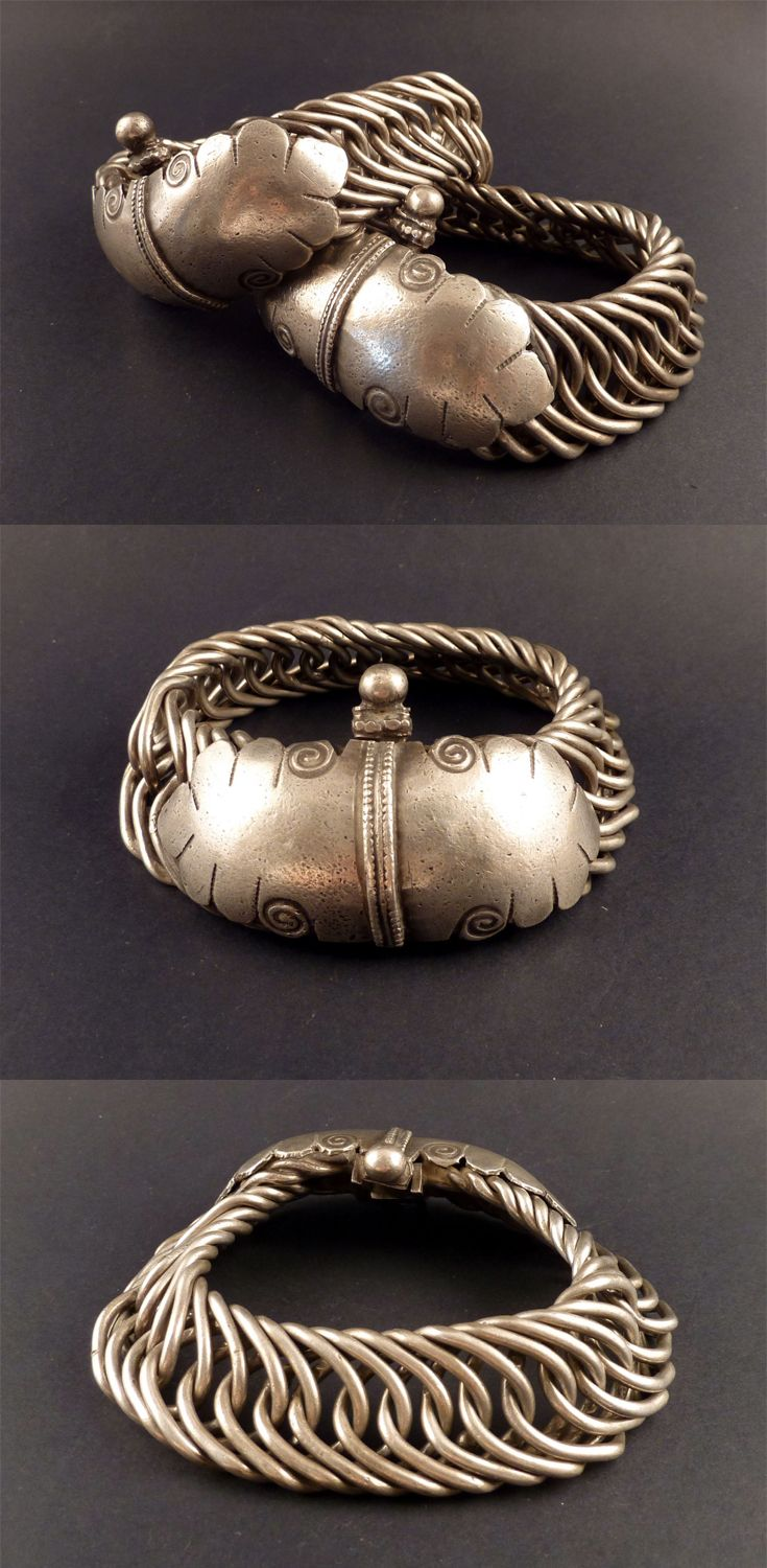 India   Pair of flexible old silver anklets, from Gujarat; good silver content   ca. end 19th to early 20th century