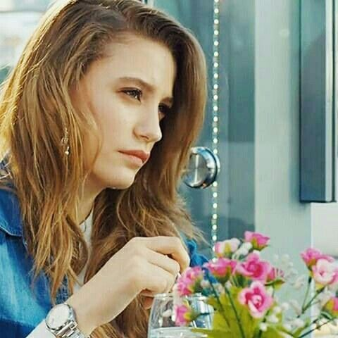 Serenay Sarikaya as Mira on Medcezir #SerenaySarikaya