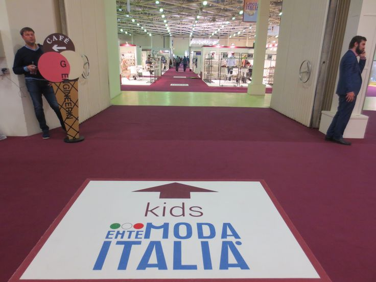 Allestimento collettiva italiana area kids per EMI